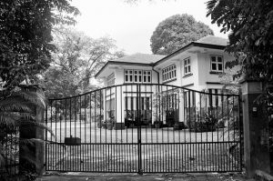 house design exterior - black and white houses singapore.jpg